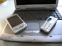 Handy und Laptop